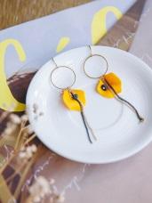 亮黃花瓣垂鍊耳環