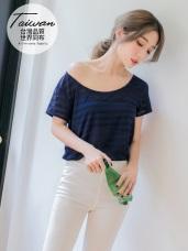 台灣製造~吸濕排汗透膚條紋長版上衣
