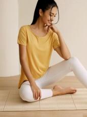 台灣製造~冰咖啡紗涼感抗後鏤空長版圓領上衣