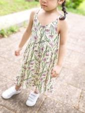 親子款~細肩帶滿版印花V領傘襬洋裝
