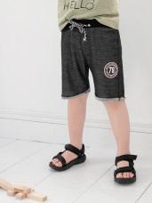 數字徽章印圖捲邊彈性短褲
