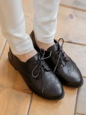台灣製造~仿皮革雕花綁帶牛津鞋
