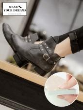 台灣製造~耐磨仿皮革鉚釘造型短靴