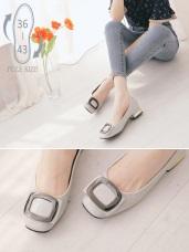 方頭金屬設計漆皮低跟娃娃鞋