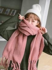 純色布標造型粗麻花流蘇圍巾