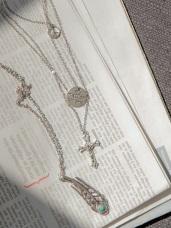 銀羽毛與十字架多層次長項鍊