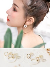 貝殼花紋水鑽組合耳針式耳環